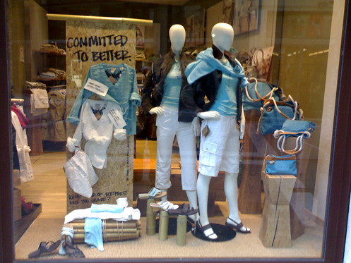 What Is The Purpose Of Visual Merchandising?