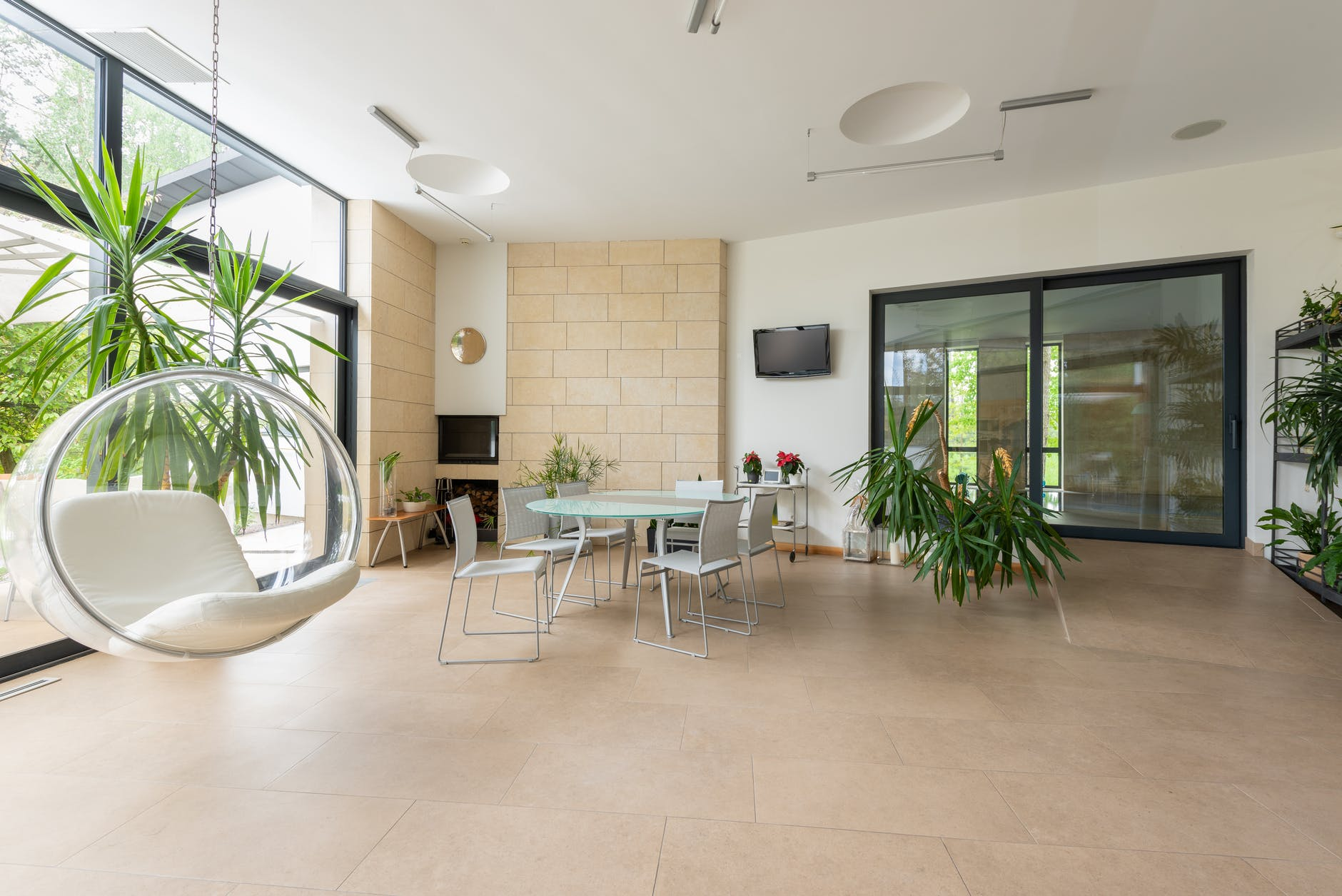 The pros and cons of false ceilings